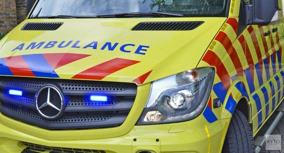 Auto belandt ondersteboven in de sloot bij Burgerbrug: bestuurder gewond(video)