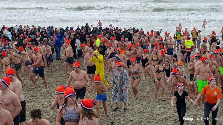 Hier luid je vandaag het nieuwe jaar in met een frisse duik