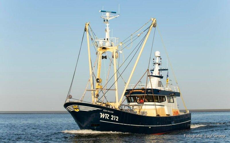 """Garnalenvissers plukken kitesurfer in nood uit Noordzee: """"Dacht eerst dat het een container was"""""""