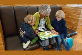 Kwartfinale Voorleeswedstrijd in bibliotheek Tuitjenhorn