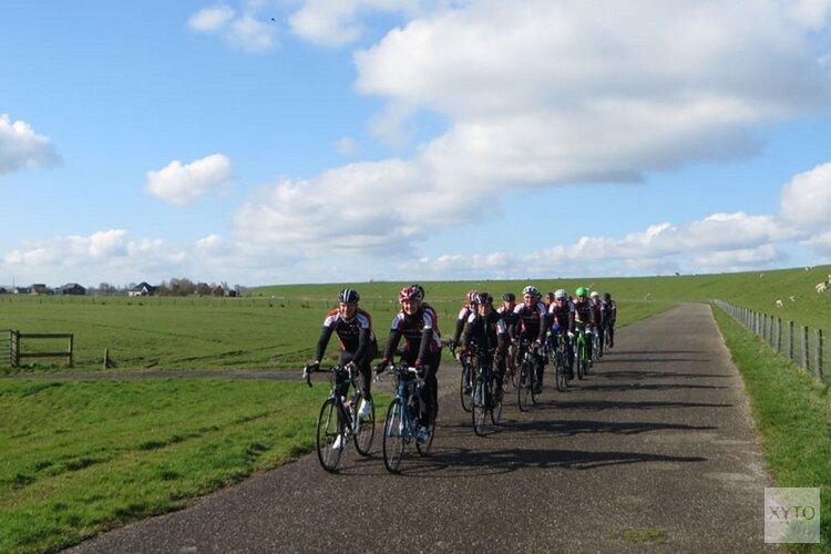 Wielren training door Hollands Kroon