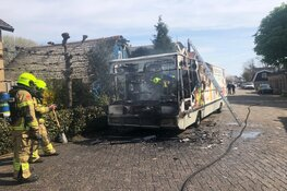 SRV-wagen uitgebrand in Warmenhuizen