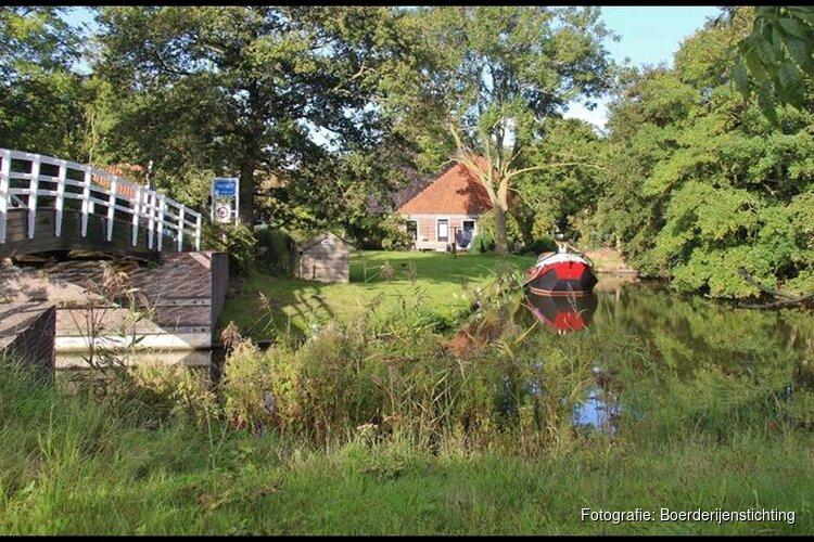 Vaartocht langs Langereis-de Leijen-Verlaat, bezoek aan diverse stolpen en een wandeling