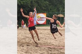 Bij Juro Unirek / VZV is het Beach handball seizoen weer geopend.
