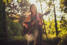 Fatima Haring presenteert debuut-EP in het Scagon Theater