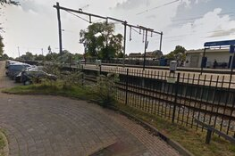 Groep vandalen vernielt auto's bij station Schagen