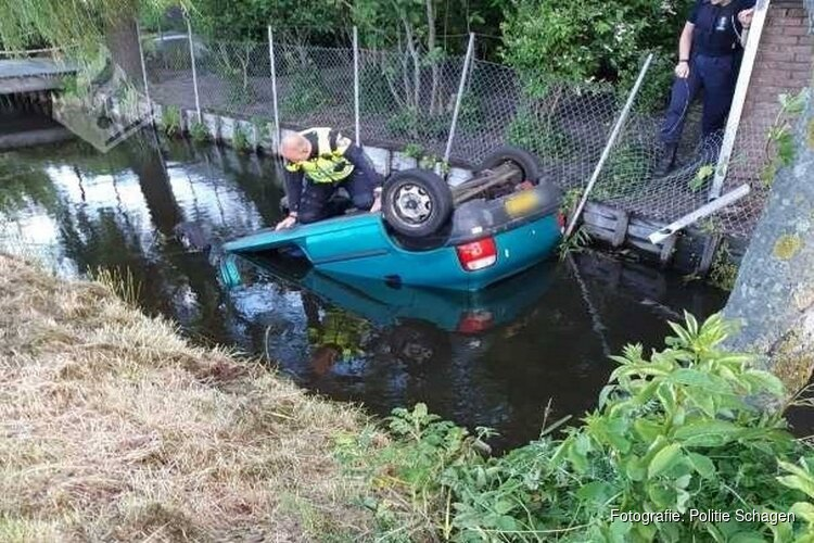 Auto in sloot Callantsoog