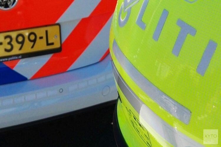 Agressieveling snijdt automobilist af, trekt portier open en stompt man op neus