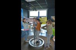 Kunstwerken maken en gratis zandschilderen in Informatiecentrum Kust