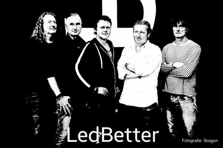 Magnusmannen met 'LedBetter' als Pearl Jam Tribute in het Scagon Theater