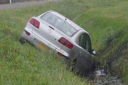Auto van de weg in 't Zand