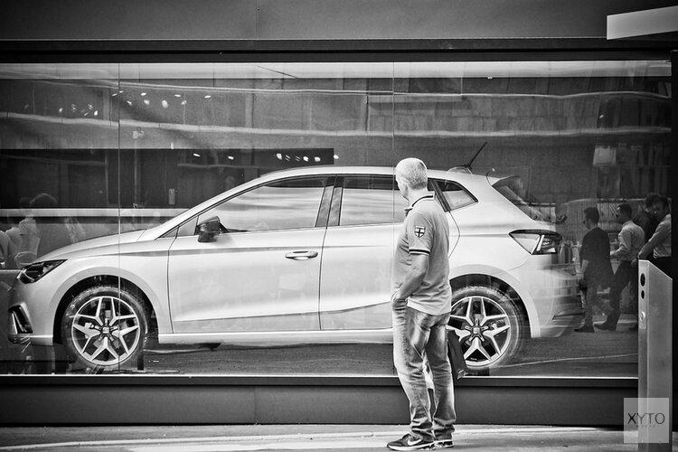 Geld lenen voor het kopen van een auto gebeurt steeds meer