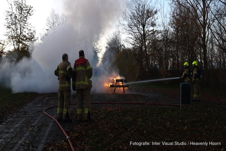 Picknickplaats in brand in Schagen