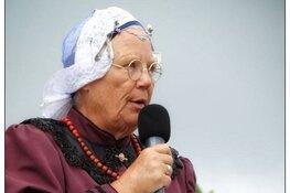 Anneke Molenaar stopt als spreekstalmeester Westfriese Folklore