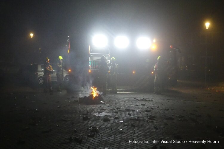 Nachtelijke vuurwerkbrandjes snel onder controle