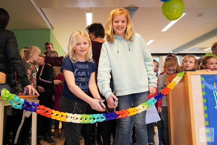Bibliotheek op School Waarland geopend