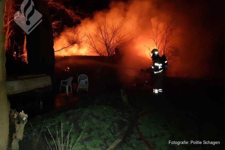Politie vermoedt opzet bij brand in vervallen boerderij Waarland