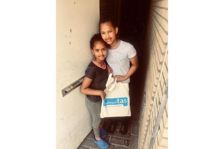 Humanitas brengt knutselpakketjes rond