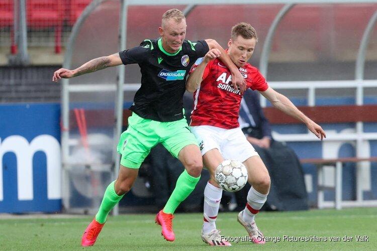 AZ houdt Champions League-droom in leven door invaller Gudmundsson