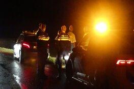 Ambulance onderweg naar melding belandt in sloot