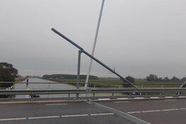 Camerapaal van Stolperophaalbrug vernield