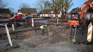 Middeleeuwse skeletten en begraafplaats gevonden onder dorpsplein