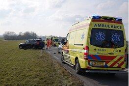 Frontale aanrijding N245, twee gewonden