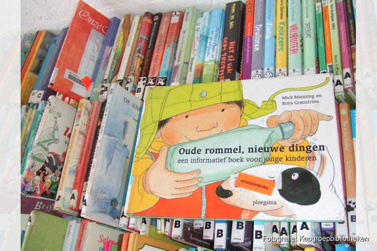 Boekverkoop in bibliotheek Tuitjenhorn