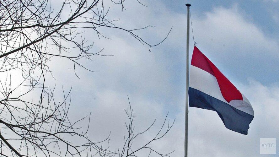 Inwoners Anna Paulowna steunen massaal oproep om vlag halfstok te hangen
