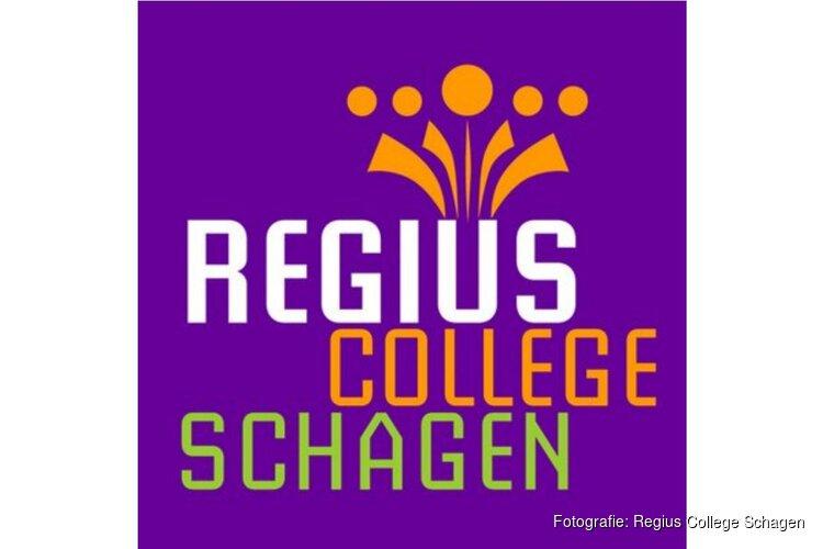 3 leerlingen van het Regius College Schagen eregasten bij de finale van de debatwedstrijd Kleine Prinsjesdag.