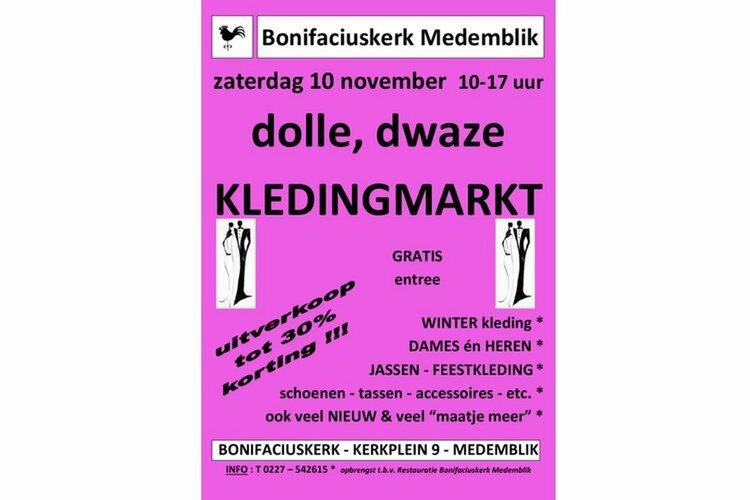 Dolle dwaze kledingmarkt bij Bonifaciuskerk Medemblik