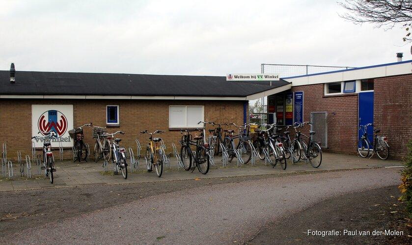 """Meisjesvoetbalwedstrijd escaleert in Winkel: """"Supporters gingen het veld op"""""""